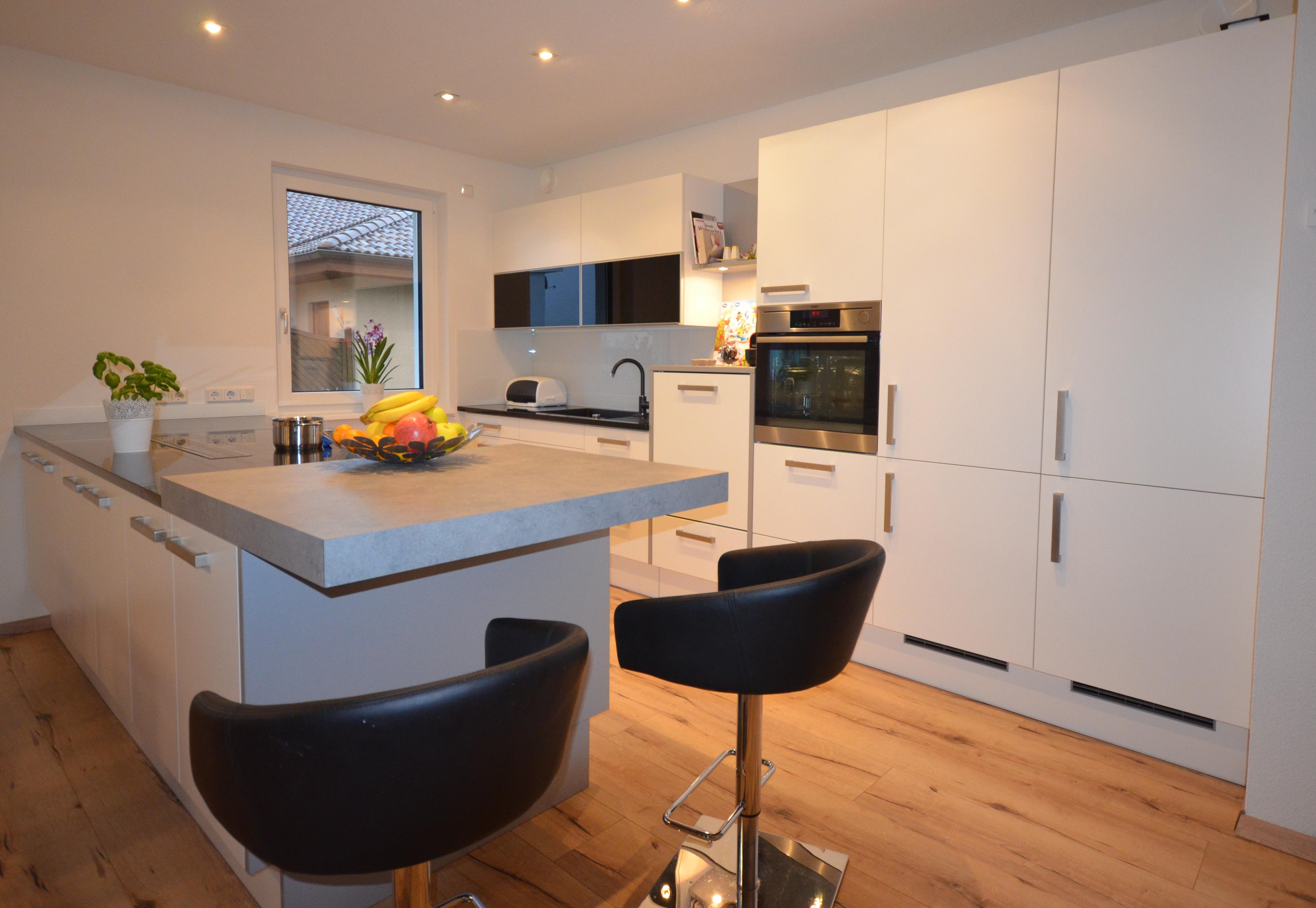 k chen. Black Bedroom Furniture Sets. Home Design Ideas